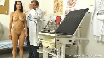 Hot latina babe at gynecologist who runs hidden cam