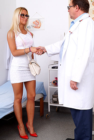 Anastasia gyno pussy exam video HD