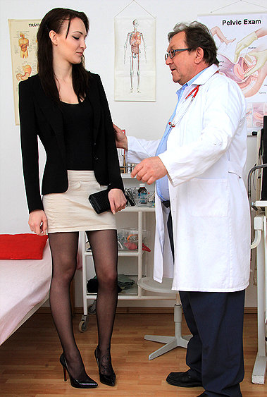 Belle Claire gyno pussy exam video HD