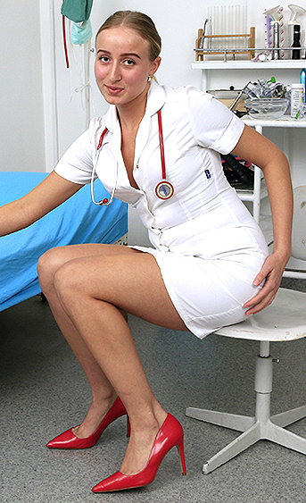Naughty nurse Brit pussy spreading HD video