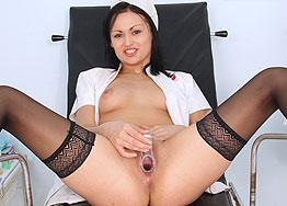 Sexy nurse Elis Diamond speculum play