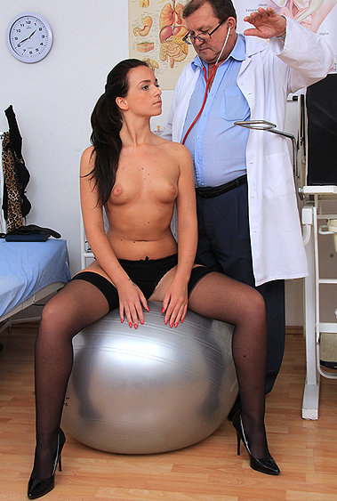 Elsa gyno pussy exam video HD