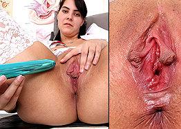 Sexy nurse Gabi speculum play
