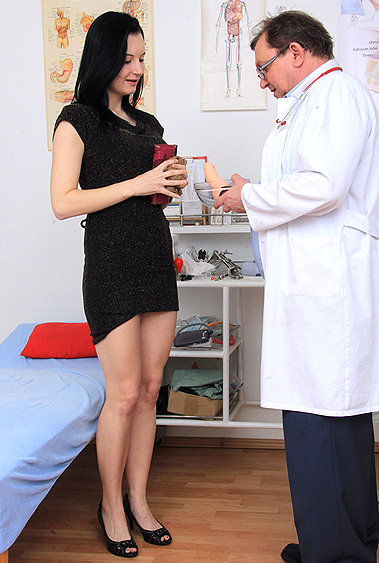Hanna gyno pussy exam video HD
