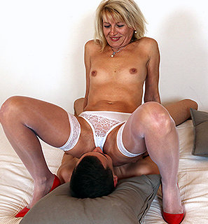 Hottest matures smother
