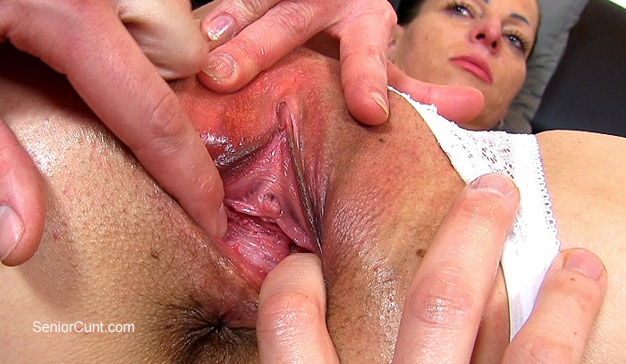 Girls pussy wide close up open