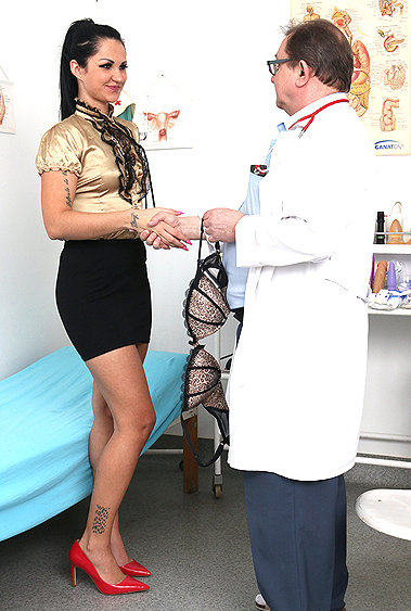 Selina gyno pussy exam video HD
