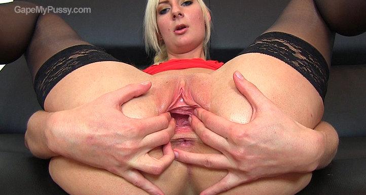 Simone pussy gape HD video