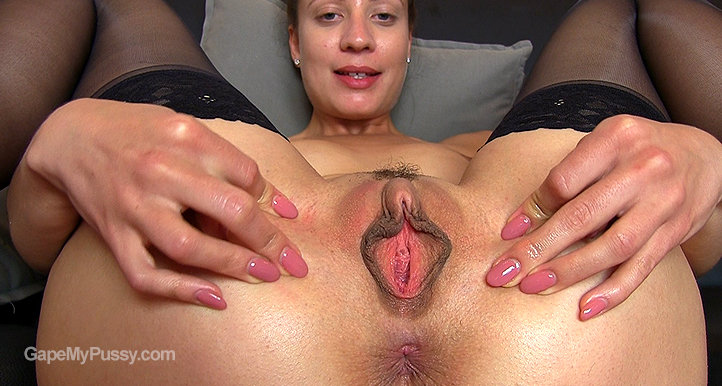 Therese Bizarre pussy gape HD video