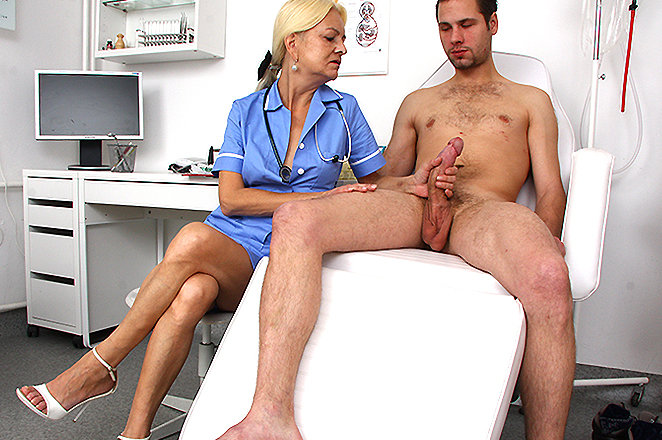 Nurse check the penis after operation dp anal creampie
