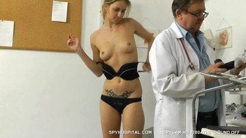 Sporty girl vaginal douche at gyno doctor hidden cam