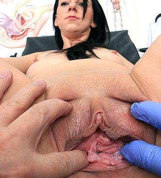 Tags: gyn, gynecological, medical, doctor, fetish, bizarre, check up, pussy, clinic, speculum, patient, cervix, brunette, pelvic exam, role play, daddy, old and young, natural tits, doctor patient, reality